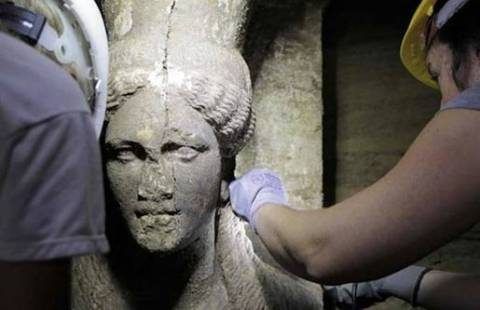 Amphipolis: The answer to the mystery is in the fourth door!