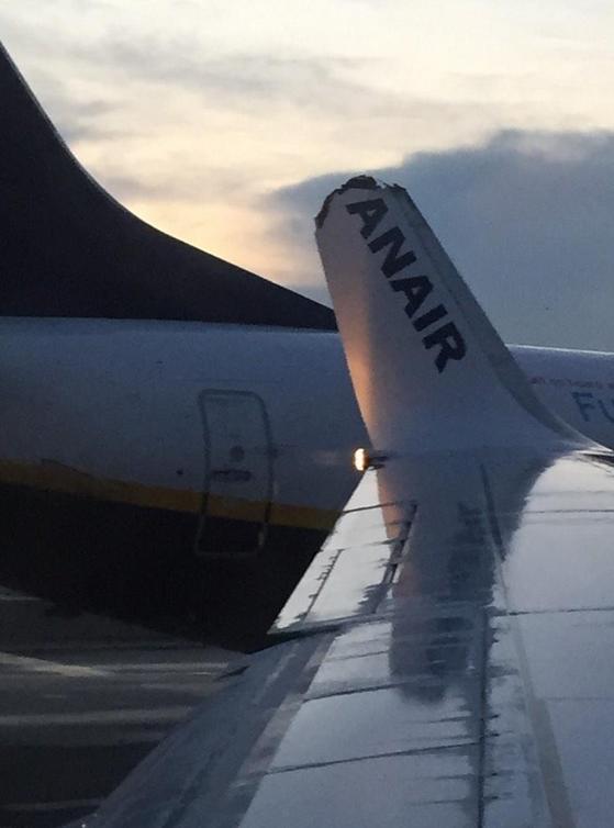 Σκηνές τρόμου: Συγκρούστηκαν δύο αεροπλάνα της Ryanair