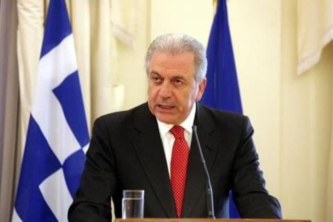 Αβραμόπουλος: Είμαστε κοντά στις οικογένειες των τριών παλικαριών