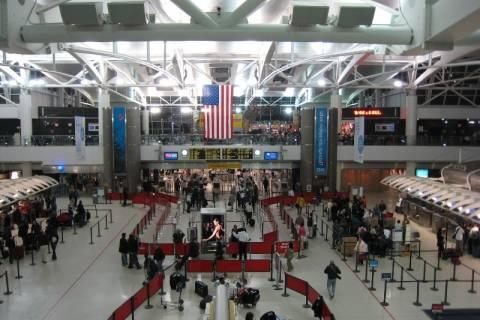Έμπολα: Αυστηρότερα μέτρα στα σημαντικά αεροδρόμια των ΗΠΑ