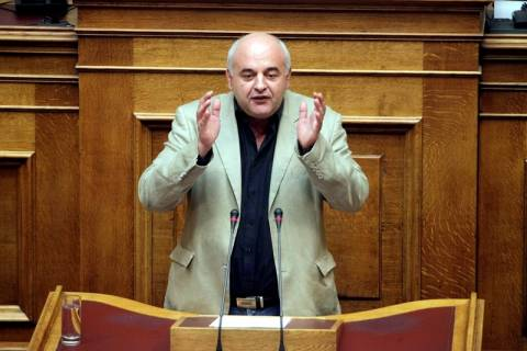 Καραθανασόπουλος: Να πάρει ο λαός τα κλειδιά της οικονομίας στα χέρια του