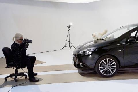 Opel: Το Corsa και η Choupette Ποζάρουν για τον Karl Lagerfeld