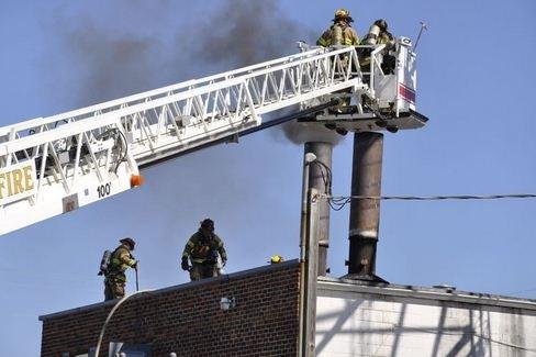 Η καύση νεκρού προκάλεσε... πυρκαγιά! (pics)