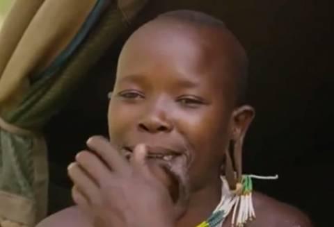 Απίστευτο: Η γυναίκα με το μεγαλύτερο στόμα στον κόσμο (pics)