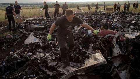 Ολλανδία: Αναγνωρίστηκαν τα 272 από τα 298 θύματα της πτήσης MH17