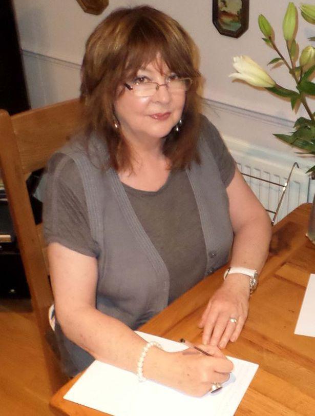 Σκωτία: Πνεύματα την αναγκάζουν να γράψει στα αγαπημένα τους πρόσωπα! (vid)