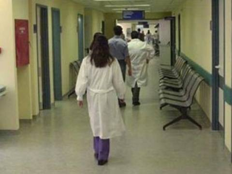 Συλλήψεις αλλοδαπών σε νοσοκομεία - Έκαναν τις αποκλειστικές χωρίς πτυχία