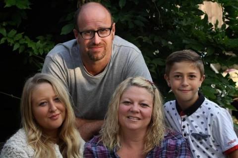 Γονείς δώρισαν τα νεφρά τους στα παιδιά τους (pics)