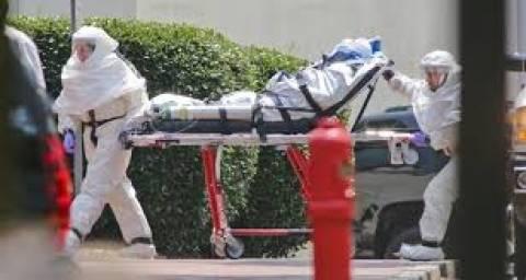 «Πρέπει να επανεξετάσουμε την προσέγγιση μας στην αντιμετώπιση του Έμπολα»