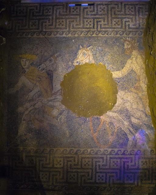 Αμφίπολη: Στο δάπεδο του τάφου κρύβεται το μυστικό