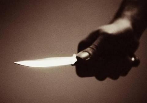 Θήβα: Τον μαχαίρωσε μέχρι θανάτου