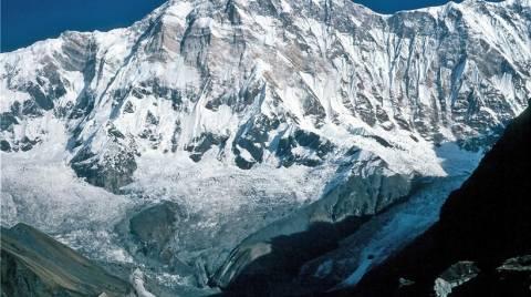 Τουλάχιστον 24 οι νεκροί από τη χιονοθύελλα στα Ιμαλάια