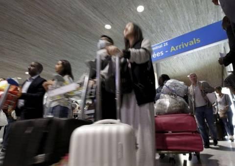 Έμπολα: Σε επιφυλακή και η Γαλλία - Ξεκινάνε έλεγχοι στα αεροδρόμια