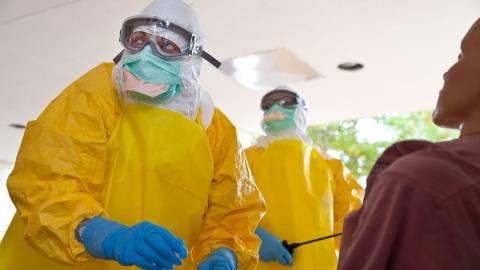Έμπολα: Έτσι χτυπάει τον ανθρώπινο οργανισμό ο ιός (vid)