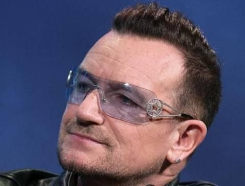 Ο τραγουδιστής Μπόνο αποκάλυψε γιατί φοράει πάντα γυαλιά