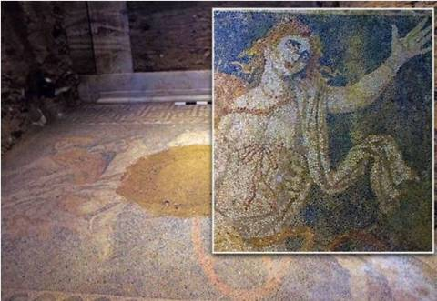 Amphipolis: Everyone talks about Persephone and her secret