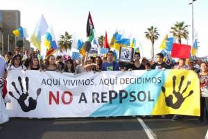 Ισπανία: Διαδήλωση κατά της εξόρυξης πετρελαίου στα Κανάρια Νησιά (vid)