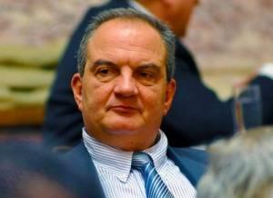 Ο Κ. Καραμανλής σκέφτεται να μην ξανακατέβει υποψήφιος