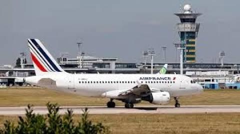 Εμπολα: Ύποπτο κρούσμα ματαίωσε τη χθεσινή πτήση της Air France για Γουινέα