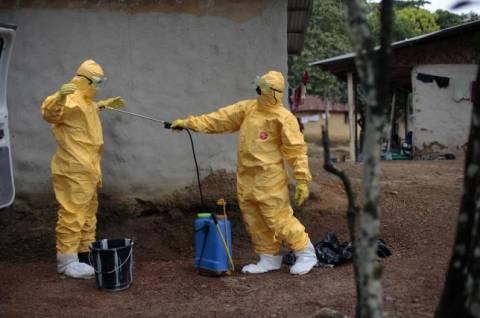 Έμπολα: Μακάβρια και επικίνδυνη φήμη στο διαδίκτυο -«Πιείτε χλωρίνη»