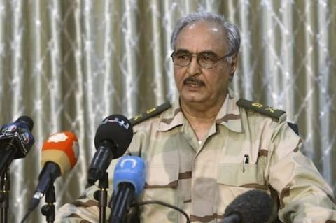 Λιβύη: Το κοινοβούλιο συμμάχησε με πρώην στρατηγό του Καντάφι