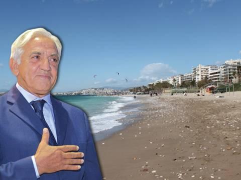 Παλαιό Φάληρο: Δήμαρχος-Ναύαρχος έβαλε τους Τούρκους να καθαρίσουν
