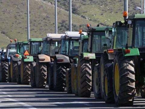 Ζεσταίνουν τα τρακτέρ οι αγρότες – Έτοιμοι να ξαναβγούν στο δρόμο