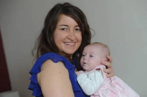 Η γυναίκα με τις δύο μήτρες έγινε μητέρα