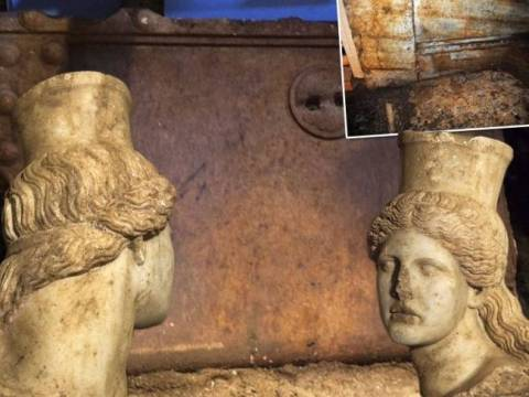 World awe for new discoveries in Amphipolis