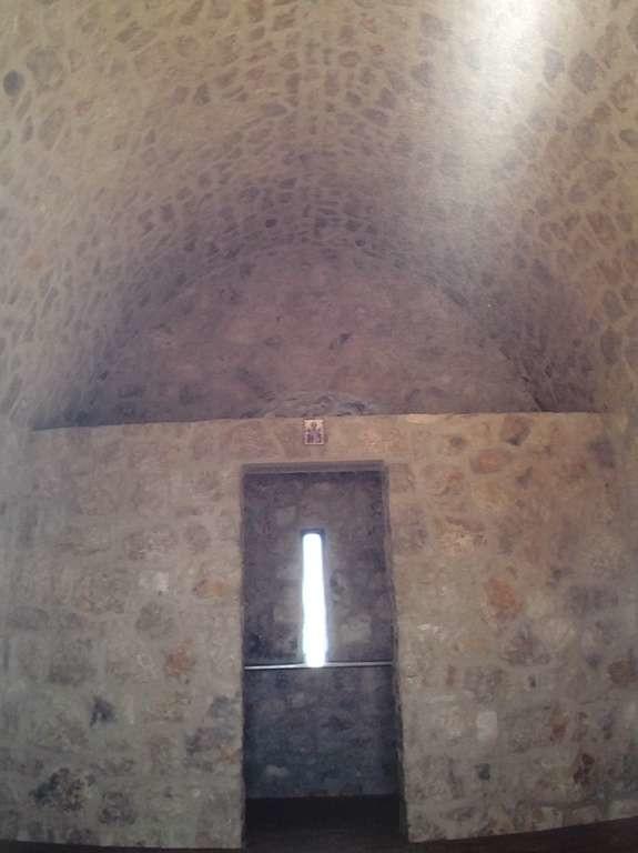 Το εσωτερικό της εκκλησίας του Αγίου Νικολάου