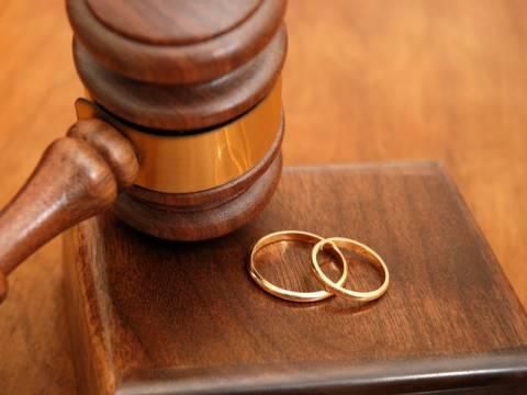 «Διαζύγιο», η χαριστική βολή στην ελληνική Οικογένεια