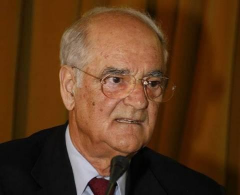 Σύγκληση συμβουλίου αρχηγών για την Κύπρο ζητά ο Απόστολος Κακλαμάνης