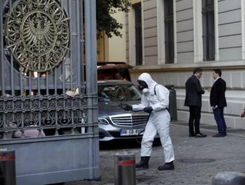Τουρκία: Ύποπτη σκόνη μέσα σε φακέλους σε πέντε πρεσβείες στην Κωνσταντινούπολη