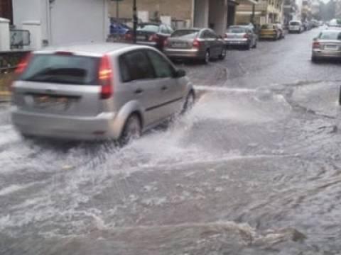 Πειραιάς: Σε κινητοποίηση οι υπηρεσίες του δήμου για τα προβλήματα από τη βροχόπτωση