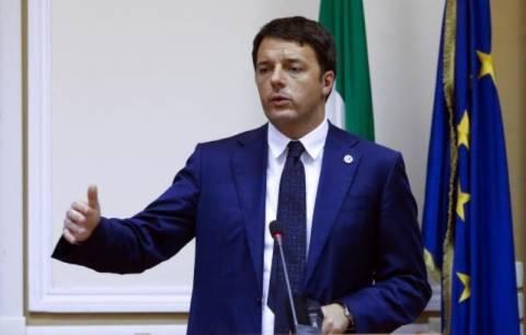 Ιταλία: Κοσμοπλημμύρα στη διαδήλωση κατά της πολιτικής Ρέντσι