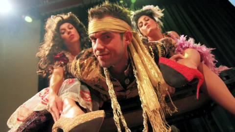 «Πλούτος» και «Ειρήνη» του Αριστοφάνη στην Αθηναϊκή Σκηνή
