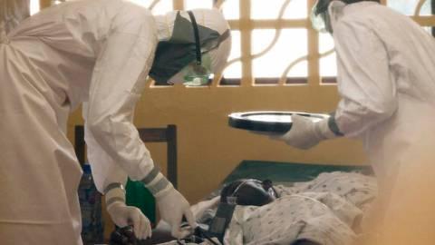 Ιός Έμπολα: «Θωρακίζεται» το Ιλινόις - Σε καραντίνα τα άτομα «υψηλού κινδύνου»