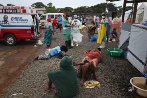 Έμπολα: Νέα οικονομική βοήθεια από Βρετανία και Σουηδία