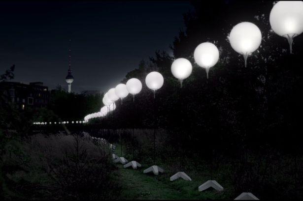 Βερολίνο: Το Τείχος ξαναχτίστηκε με 8.000 μπαλόνια (pics&vid)