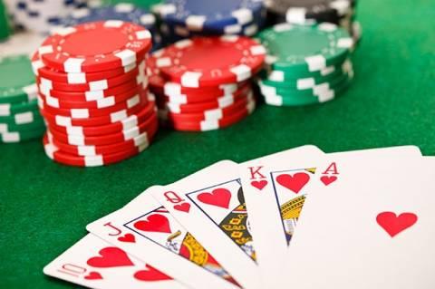 Κρήτη: Οκτώ συλλήψεις για πόκερ
