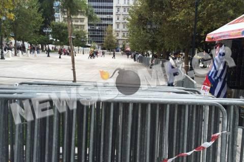 Σε «ρυθμούς παρέλασης» η πλατεία Συντάγματος (pics&vid)