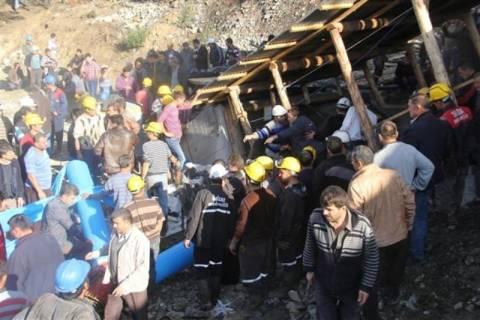 Τουρκία: Δεκάδες ανθρακωρύχοι εγκλωβισμένοι από κατάρρευση στοάς