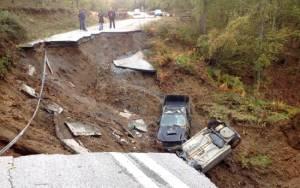 Εικόνες καταστροφής στη Χαλκιδική: Στη μέση κόπηκε ο δρόμος Βαρβάρας - Ολυμπιάδας