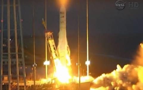 Πλήγμα για τη NASA: Εξερράγη μη επανδρωμένο σκάφος (vid)