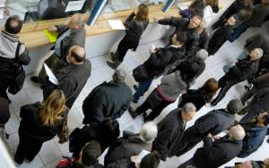 Ατέλειωτες ουρές στις τράπεζες λόγω ΕΝΦΙΑ και συντάξεων