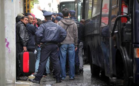 Πέταξαν στα… σκουπίδια 500 εκατ. ευρώ για τη λαθρομετανάστευση