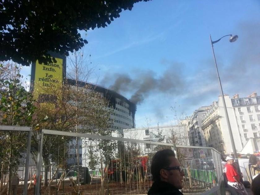 Παρίσι: Πυρκαγιά στα γραφεία της δημόσιας ραδιοφωνίας