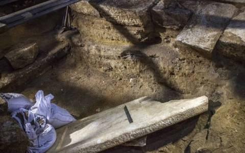 Αμφίπολη: Το μυστήριο του ορύγματος και τα σενάρια για τη σύλληση του τάφου
