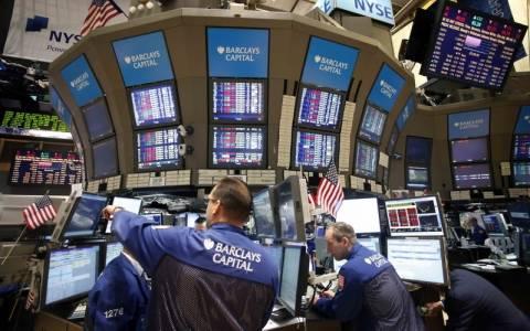 Απώλειες αλλά και ρεκόρ… 14ετίας στη Wall Street