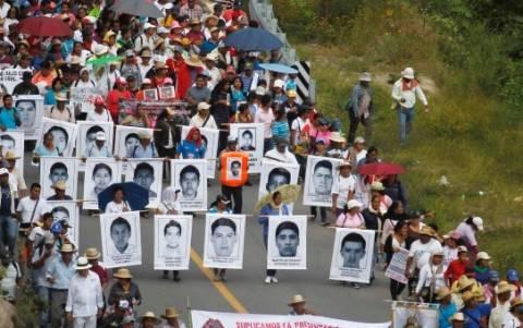 Μεξικό: Συμβολική πορεία για τους 43 αγνοούμενους φοιτητές